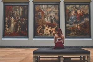 Künstlerische Ausstellung - Steinbock Frau