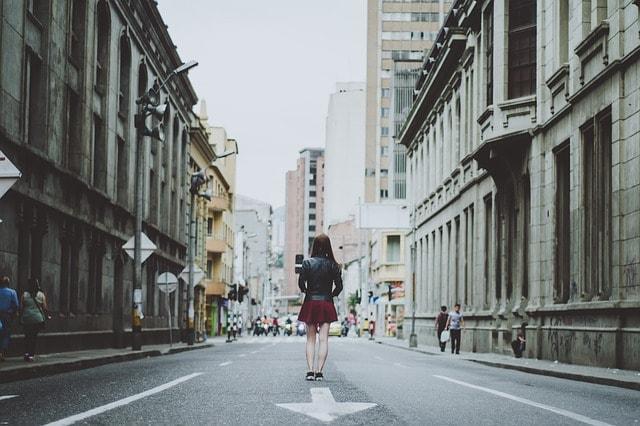 Frauen auf der Straße ansprechen