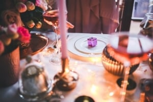 Romantisches Candle light dinner - Stier Frau erobern